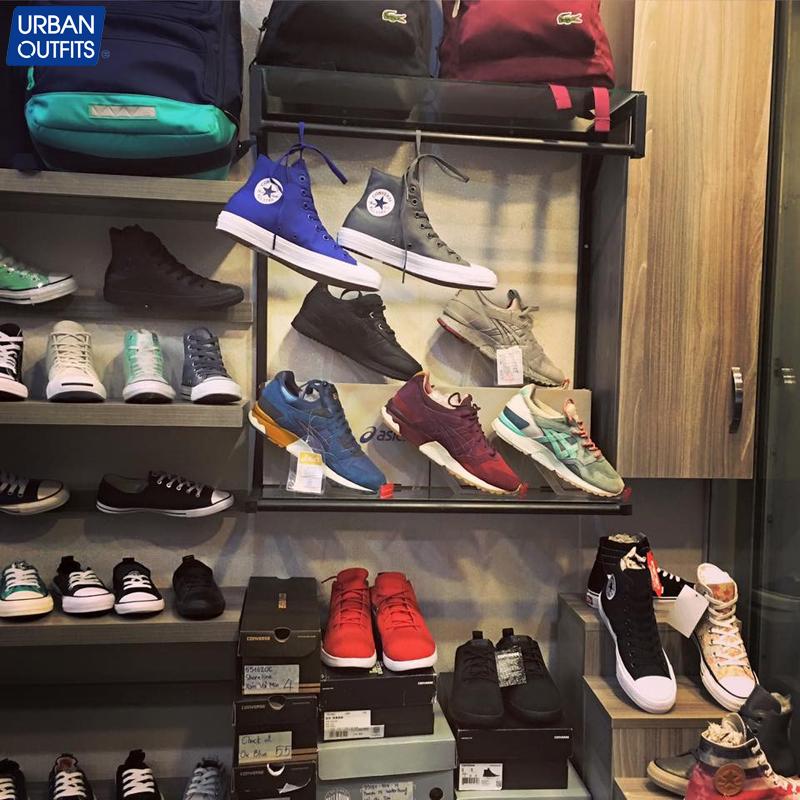 Cửa hàng Outlet Converse nơi săn lùng những đôi Converse huyền thoại